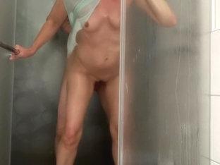 Hotel shower/