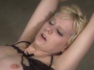 Wasteland Video: Sex Workout