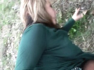 Amateur outdoor blowjob sex video with a hot bitch on her knees