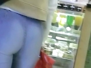 Sexy blue jeans on sexy ass in the public candid