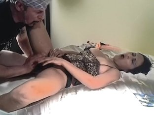Love fingering a hot latin playgirl doxy and making her squirt