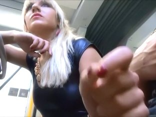 Guy got a handjob from me in amateur blonde video