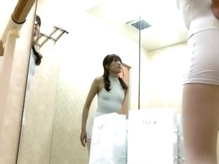 Slim girl has changed on the hot spy cam free video