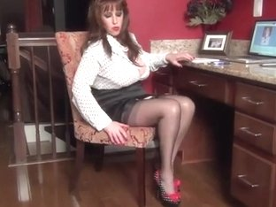 Samantha Legs as a Polka Dot Sexetary