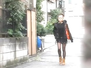 Awesome sharking on Asian panties in the busy street