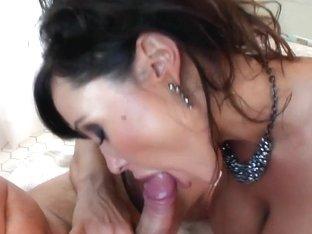 LiveGonzo Lisa Ann Mature Mom Orgasm