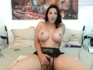 Gorgeous brunette Misss_Lara fucks herself
