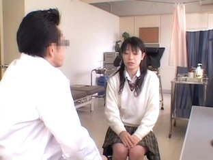 Hardcore pussy fingering for a Jap gal during Gyno exam