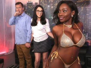 Nickey Huntsman & Osa Lovely & Jessy Jones in Strip Club Surprise - BrazzersNetwork