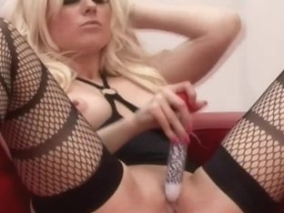 CFNM harlots masturbate during sex show with youthful man