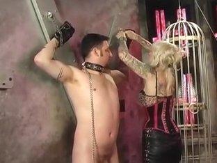 Stud in thraldom obeys orders from blond mastix