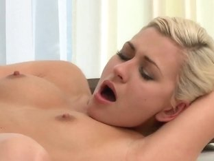 blonde and brunette eat pussy and make a sex tape