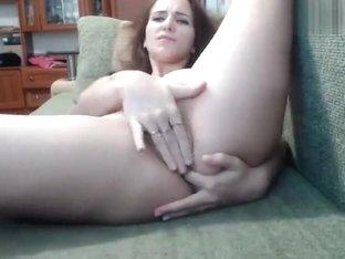 Katya69artyom: camgirl fingering her pussy