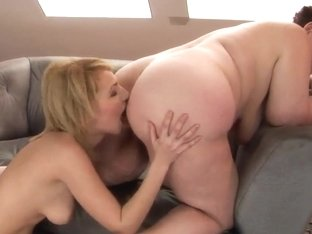 Eliz and Hetty get naked and nasty