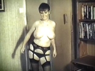SPECIAL BREW - British big boobs dance strip