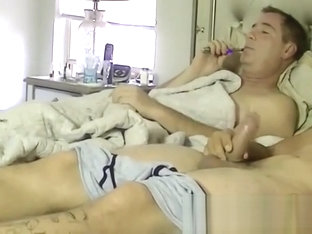 Mature homo vapes before sucking freshly stroked cock