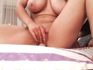 Lana webcam masturbates