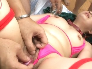 Asian Yukina Momose finger bang and vibrated in her mound