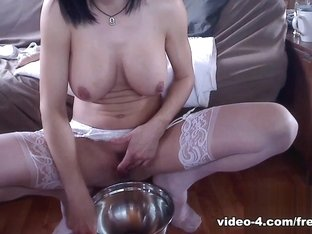Livecam Peeing  Fisting Preparation - KinkyFrenchies