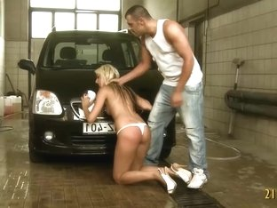 Hot Blonde Gets Screwed Hard From Behin