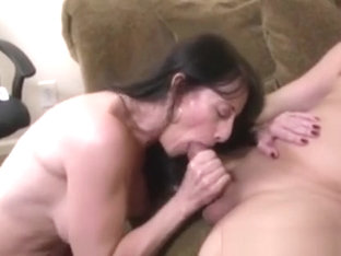 Blowjob Loving Cougar Mama Sucks Dick