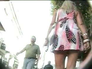 Juicy street up skirts shots of hot bums in udnies