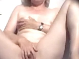 older wife masturbates on her balcony during the time that her neighbors are next to her