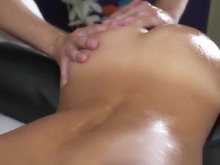 Exotic lubed babe gets orgasmic massage session