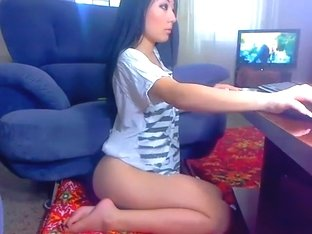 Asian AwesomeRayBest lifted his shirt and showed the ass