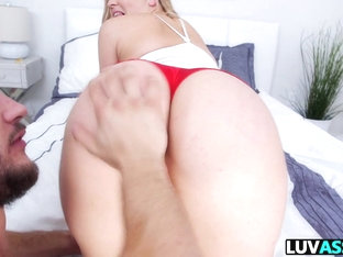 Ass workout with Alexis Texas