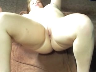 Shaking my sexy arse on a towel