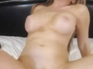 Busty webcam diva made a show for me
