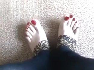 Worship her feet 2