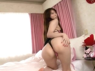 Hot asian girl Yui Hatano is getting undressed
