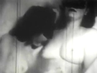 1920's Vintage Lesbian Porn - Bath Time