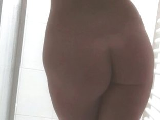 butt posing