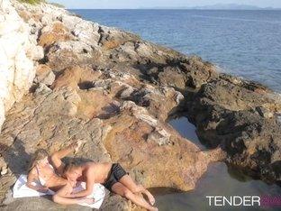 Lucky boyfriend fucks his hot girlfriend Gina by the beach