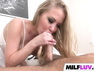 Big booty MILF gets dicked