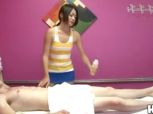 Amazing asian babe Kim is doing an awesome massage