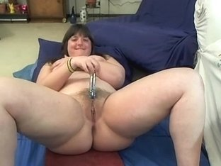 Smacking my hairy cunt to orgasm