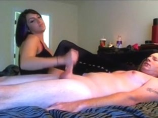 Layla knows how to jerk off