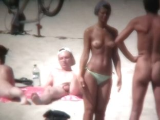 Nude beach voyeur shoots  hotties with a hidden cam