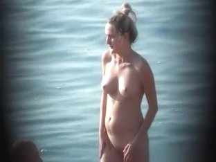 Nice body nudist woman