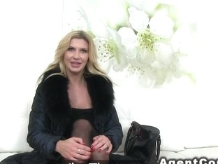 Huge tits model bangs in casting