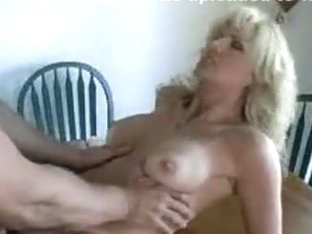 Sappy naked blonde on table