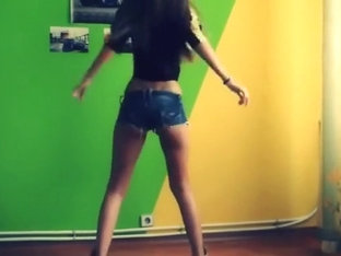 Bulgarian camgirl in short denim shorts is dancing for me