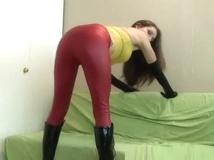 Chick in latex pants and gloves fucked