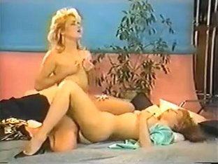 Lauryl Canyon & Veronica Doll awesome tribbing