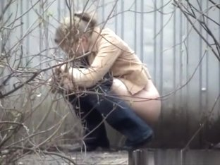 Woman caught peeing outdoor