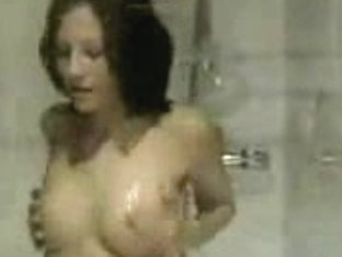 I came in the bath while hot babe took it and she sucked my cock